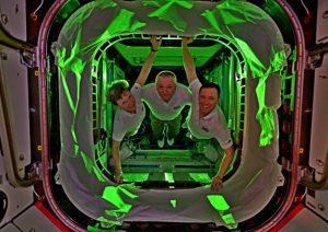 Peggy Whitson torna a casa: donna astronauta che ha trascorso più tempo nello spazio