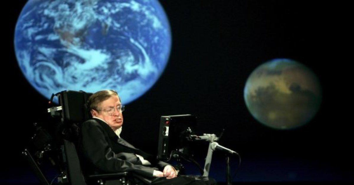 """Stephen Hawking, caccia agli alieni: """"15 segnali misteriosi captati"""""""