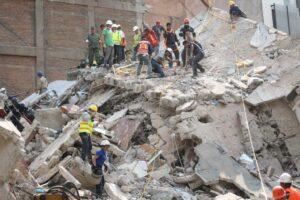 Terremoto in Messico, verso le mille vittime: due scosse, se ne temono altre
