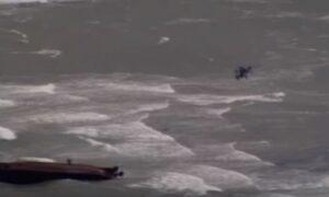 YOUTUBE Uragano Maria: mamma con due figli salvata dalla barca capovolta