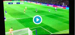 Aleksandar Kolarov video gol Chelsea-Roma (Champions League)