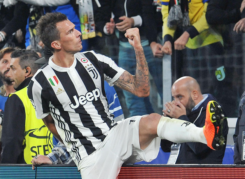 Juve batte in rimonta lo Sporting. Roma show a Londra, 3-3 con Chelsea