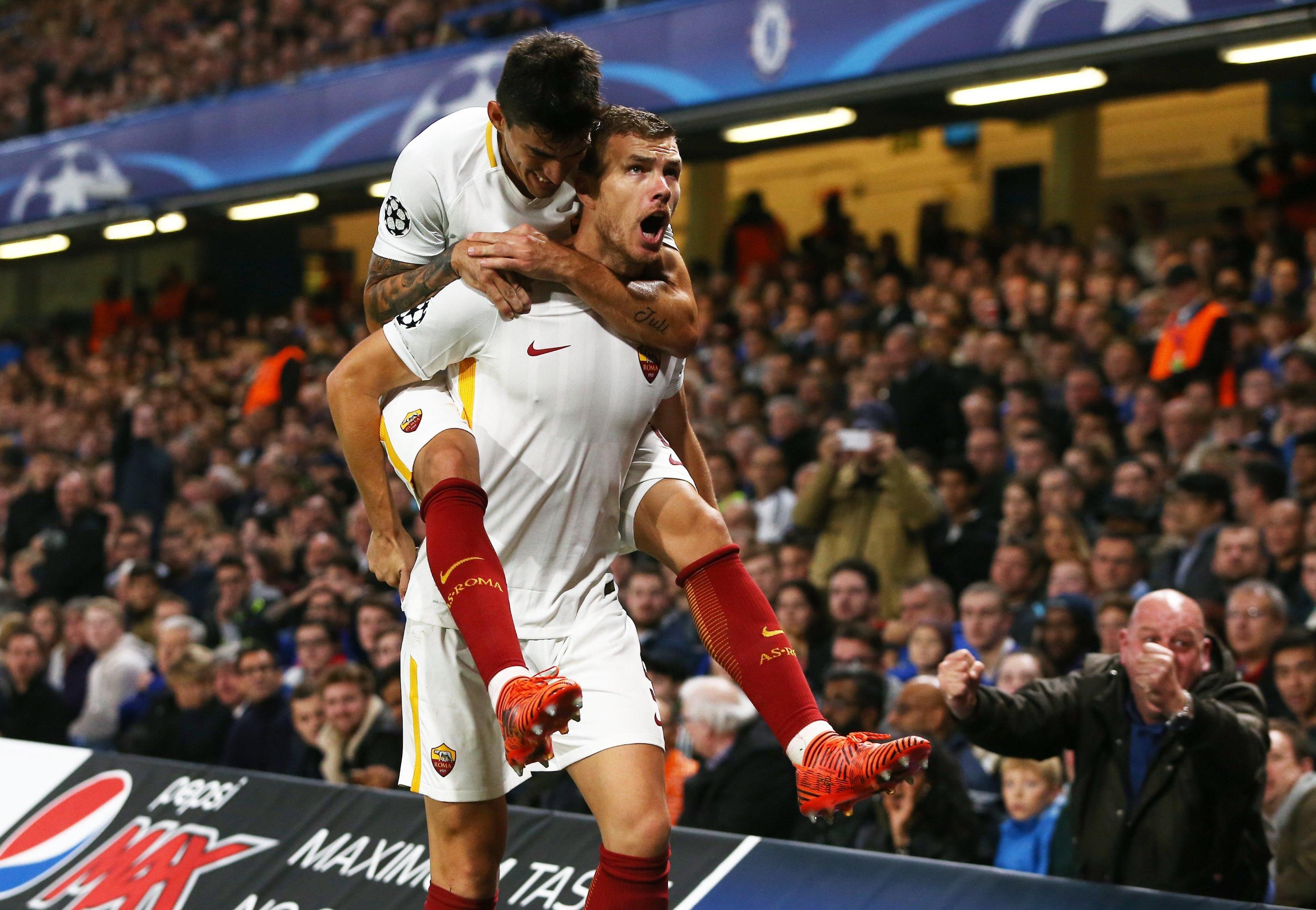 Edin Dzeko video gol Chelsea-Roma: come Totti e Van Basten