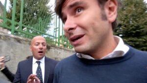 Alessandro-Di-Battista-inseguito-Angelo-Ferrillo