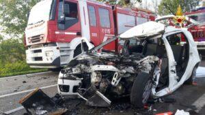 Vigonza, scontro frontale tra auto e camion: Daniele Caccin morto a 22 anni