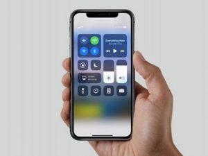 iPhone X, ogni telefono venduto farà guadagnare 110 dollari a Samsung