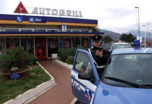 autogrill-bambino-polizia