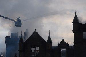 Albero-Natale-hotel-incendio-morti
