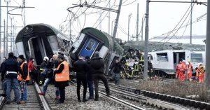 treno deraglia milano trenord
