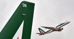 Alitalia sfida le low cost sulla rotta atlantica: ma occhio al bagaglio, costerà 100 euro