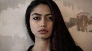"""La modella Ambra Battilana annuncia: """"Farò un film sulla mia vita"""""""