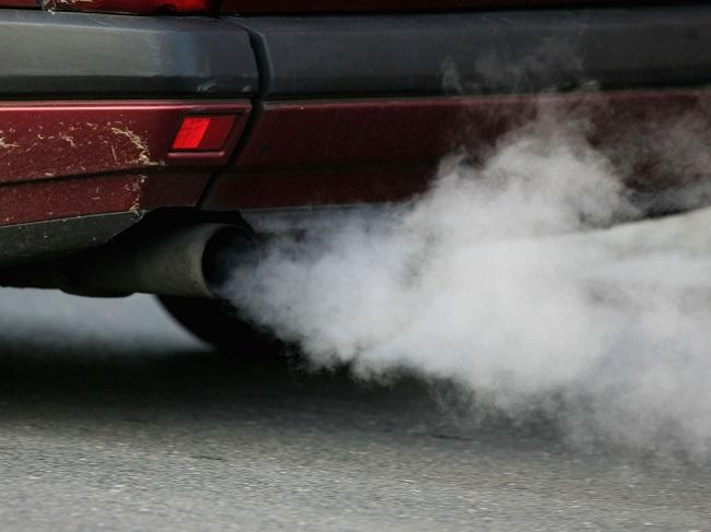 Cavie umane per testare i gas di scarico delle auto