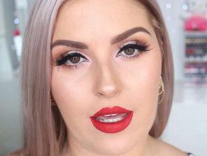 L'esperta di make up mette a confronto due fondotinta. La differenza è il prezzo