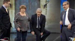 """Massimo Giletti, malore a Non è l'Arena. Il fratello: """"Coliche renali"""""""