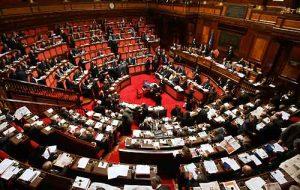 parlamento-tetto-stipendi