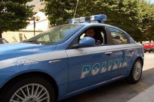 Baby gang, tenta di gettare coltellino: un denunciato a Napoli. Ha solo 14 anni