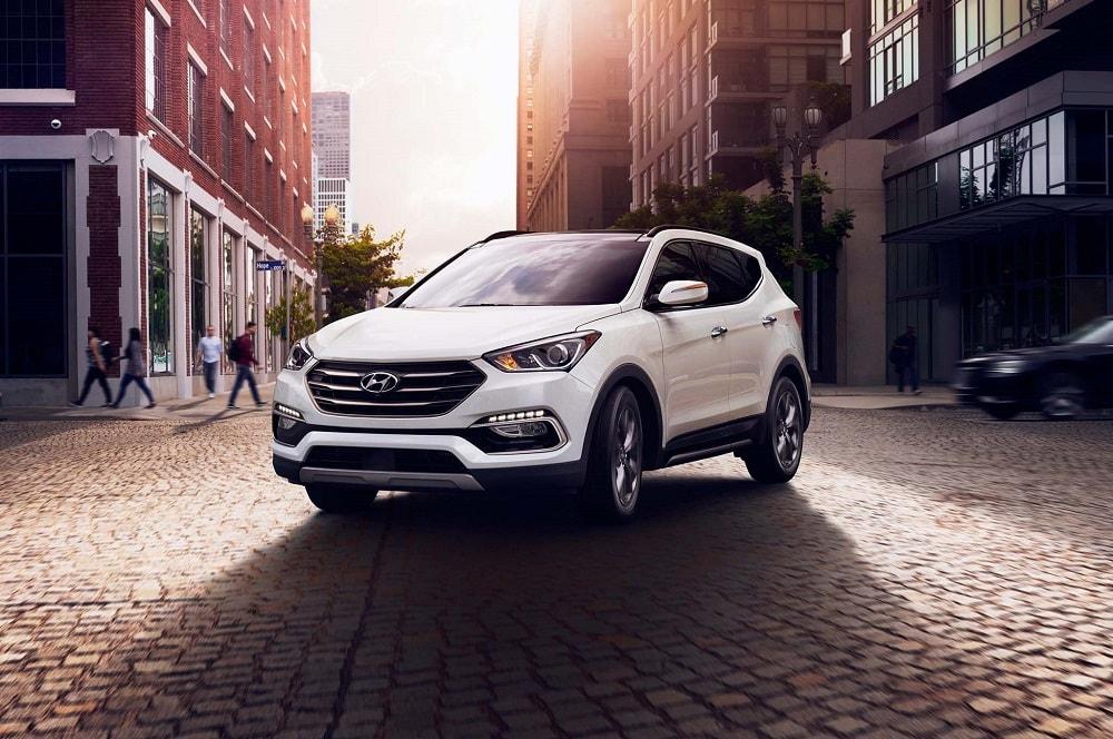 Hyundai lancia nuovo suv Santa Fe: avrà un sistema per non dimenticare i bimbi in auto