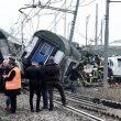Milano, le FOTO treno squarciato tra Pioltello e Segrate: 2 morti, almeno 10 codici rossi 6