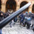 Bologna, scontri collettivi polizia 16 febbraio