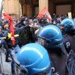 Bologna, manganelli e idranti corteo Forza Nuova 16 febbraio