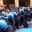 Bologna, scontri centri sociali polizia 16 febbraio