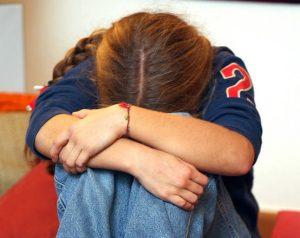 Operaio arrestato: nel cellulare foto osé con la figlia di 6 anni