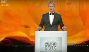 Festival di Sanremo, Baglioni imita Mussolini: scoppia la polemica