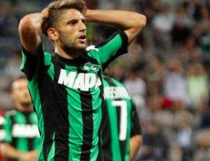Domenico Berardi espulsione con var durante Sassuolo-Lazio