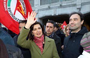 Laura Boldrini contestata al corteo antifascista di Milano