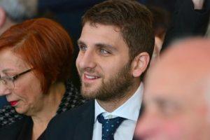 Il figlio del governatore della Campania, De Luca jr. si è dimesso da assessore a Salerno