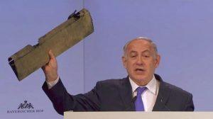 """Netanyahu: """"Iran maggiore minaccia per il mondo"""". E mostra pezzo di un drone abbattuto"""