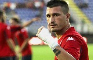 Fabio Pisacane: incidente d'auto per il giocatore del Cagliari (foto Ansa)