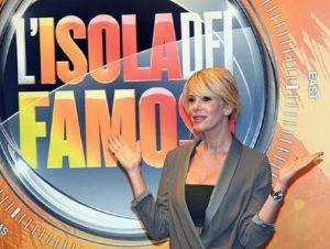 Alessia Marcuzzi, la conduttrice de L'Isola dei Famosi (foto Ansa)