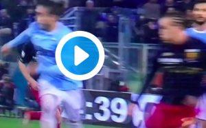 Lazio-Genoa, VAR toglie gol a Laxalt: fallo di mano dopo svarione Caceres