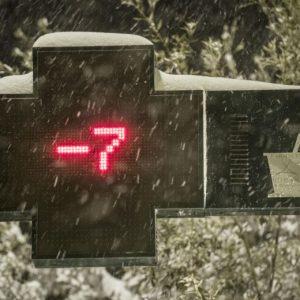 Neve, emergenza in tutta l'Italia: gelo Alessandria, Vesuvio imbiancato