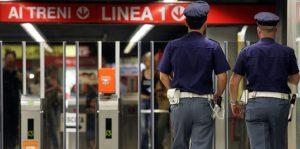 Milano, metro frena bruscamente: 9 passeggeri contusi, 5 portati in ospedale