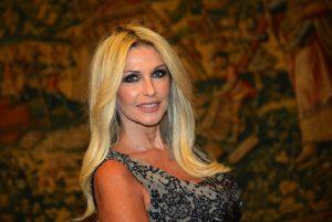 """Paola Ferrari: """"Un noto politico mi ha molestata e rovinato la vita"""""""
