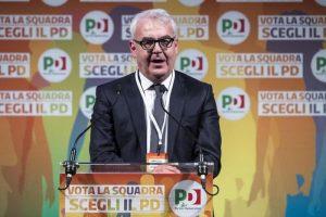 """Macerata. """"Ci hanno usato, lasciateci in pace"""". Il sindaco Romano Carancini, Pd, contro tutti i cortei"""