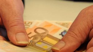 Belgio, 2 mld di euro su conto per sbaglio: per 5 giorni è uomo più ricco del mondo