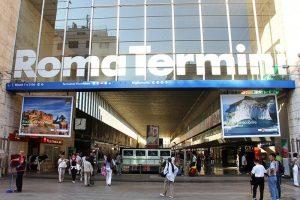 La manager di Regione Lombardia Manuela Giaretta è stata aggredita e rapina a Termini