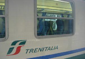 Ghiaccio e neve, il piano di Trenitalia: informazioni e numero verde (foto Ansa)