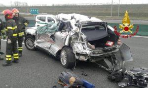 incidente a4 morti