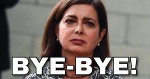 """Salvini - Boldrini, scontro su Twitter: """"Bye bye"""". """"Ancora tu? Stai attento..."""""""