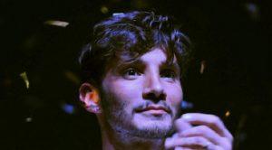 """Isola, Stefano De Martino prova a ipnotizzare Francesca Cipriani: """"Con le galline ci riesco"""""""