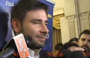 """YOUTUBE Alessandro Di Battista: """"Renzi arrogante. Pur di non dimettersi frantuma il Pd"""""""