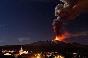 etna vulcano mare
