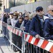 Fabrizio Frizzi, 10 mila persone per l'ultimo saluto. Camera ardente chiude un'ora dopo 19