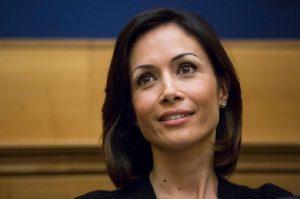 Mara Carfagna devolverà la sua indennità da vicepresidente della Camera a donne, minori, disabili...