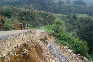 Terremoto, Papua Nuova Guinea devastata: saliti a 100 i morti del sisma di una settimana fa