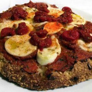 Carlo Cracco, la sua pizza margherita più insultata d'Italia. Ma Gino Sorbillo...
